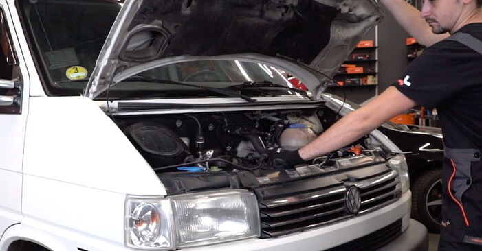 Comment changer Filtre à Air sur VW T4 Transporter 1990 - Manuels PDF et vidéo gratuits