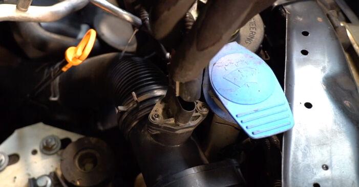 Comment remplacer VW Transporter IV Minibus (70B, 70C, 7DB, 7DK, 70J, 70K, 7DC, 7DJ) 2.5 TDI 1991 Filtre à Air - manuels pas à pas et guides vidéo