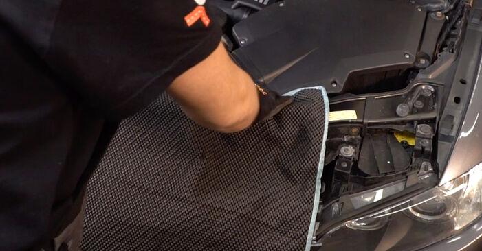 Cómo reemplazar Filtro de Aire en un BMW 3 Coupé (E92) 335i 3.0 2007 - manuales paso a paso y guías en video