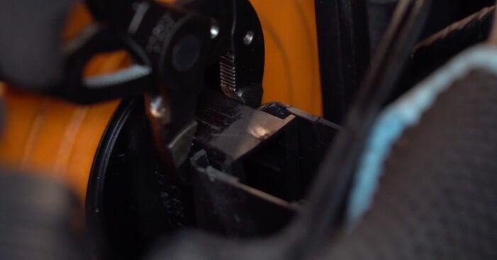 Hoe Luchtfilter vervangen BMW 3 Coupe (E92) 2011: download pdf-handleidingen en video-instructies