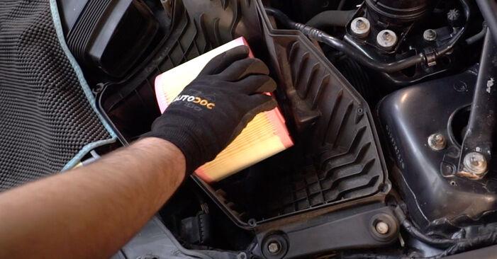 BMW 3 SERIES 2007 Luchtfilter stapsgewijze handleiding voor vervanging
