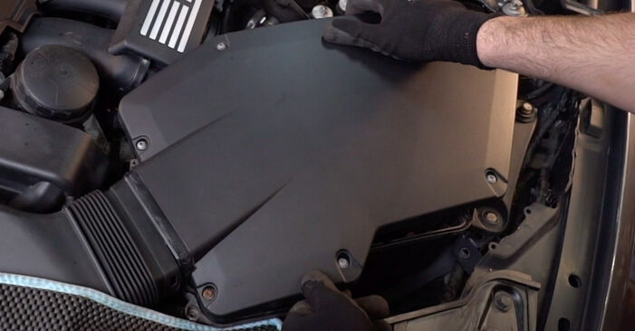 Hoe lang duurt Luchtfilter vervangen BMW E92 2008 – informatieve pdf-handleiding