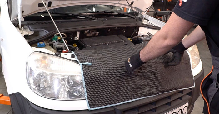 FIAT DOBLO 1.6 16V Air Filter replacement: online guides and video tutorials