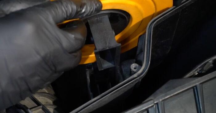 Kā noņemt BMW 1 SERIES 125i 3.0 2010 Gaisa filtrs - viegli izpildāmas tiešsaistes instrukcijas