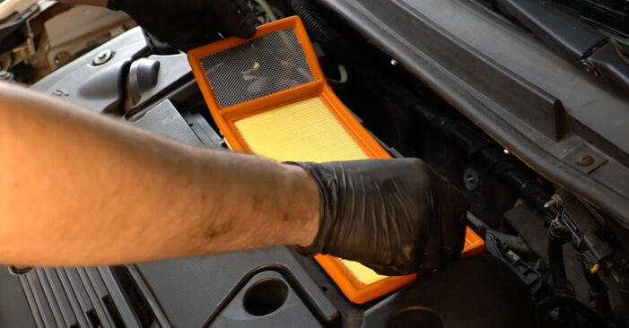 How hard is it to do yourself: Air Filter replacement on Fiat Punto mk3 199 0.9 2011 - download illustrated guide