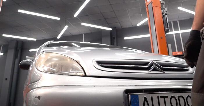 CITROËN XSARA 2004 Ölfilter Schrittweise Anleitungen zum Wechsel von Autoteilen