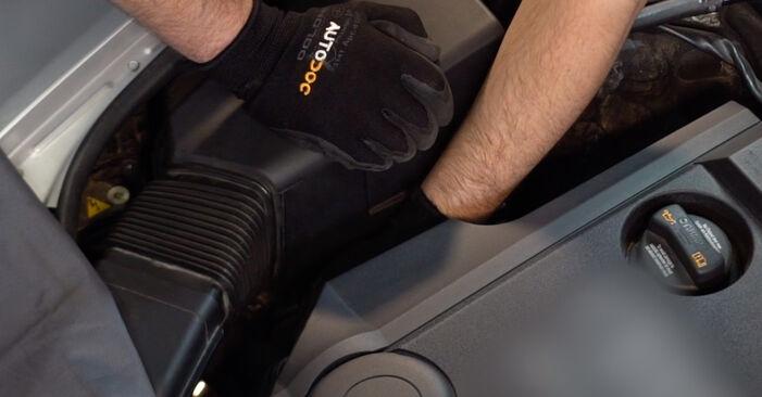 Wymień samodzielnie Filtr powietrza w Audi A6 4f2 2006 3.0 TDI quattro