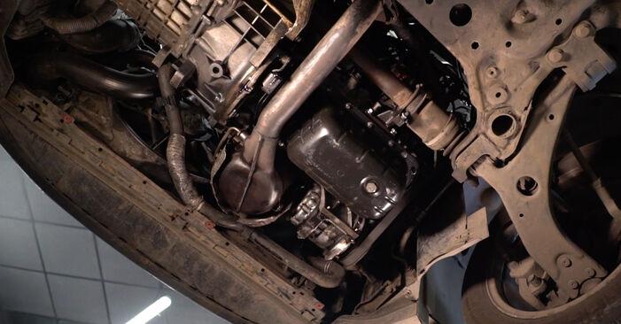 Hur byta Oljefilter på Volvo v50 mw 2003 – gratis PDF- och videomanualer