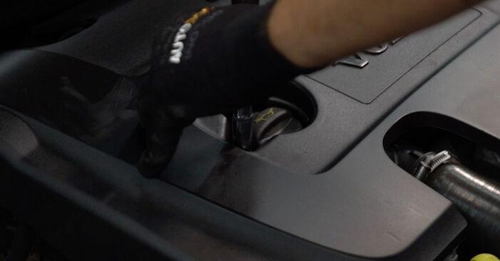 Kuidas vahetada Volvo v50 mw 2003 Kütusefilter - tasuta PDF- ja videojuhendid