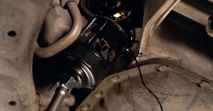 Austauschen Anleitung Ölfilter am Toyota Prius 2 2000 1.5 (NHW2_) selbst
