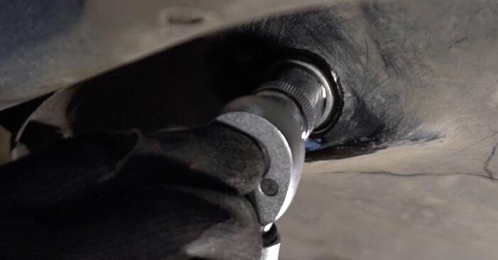 Wie Ölfilter Toyota Prius 2 1.5 (NHW2_) 2000 tauschen - Kostenlose PDF- und Videoanleitungen