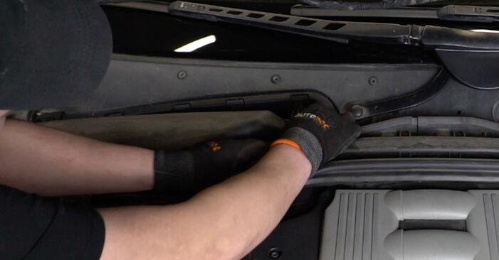 Så tar du bort BMW 5 SERIES 525d 3.0 2005 Luftfilter – instruktioner som är enkla att följa online