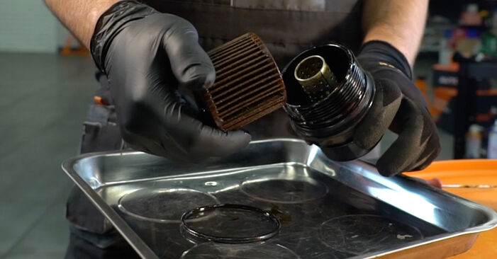 AURIS (NRE15_, ZZE15_, ADE15_, ZRE15_, NDE15_) 1.4 (ZZE150_) 2010 Oil Filter DIY replacement workshop manual