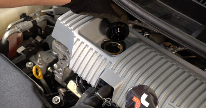 Toyota Auris e15 2.0 D-4D (ADE150_) 2008 Oil Filter replacement: free workshop manuals