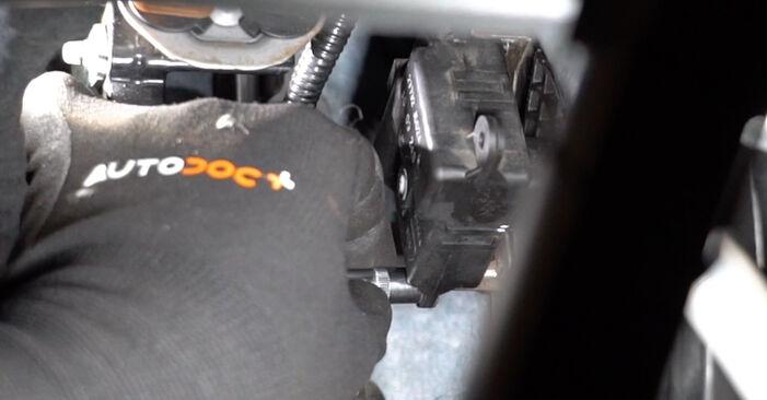 Wie Innenraumfilter Nissan Qashqai j10 1.5 dCi 2006 tauschen - Kostenlose PDF- und Videoanleitungen