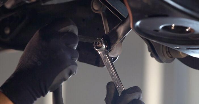 VW GOLF 2003 Biellette De Barre Stabilisatrice manuel de remplacement étape par étape
