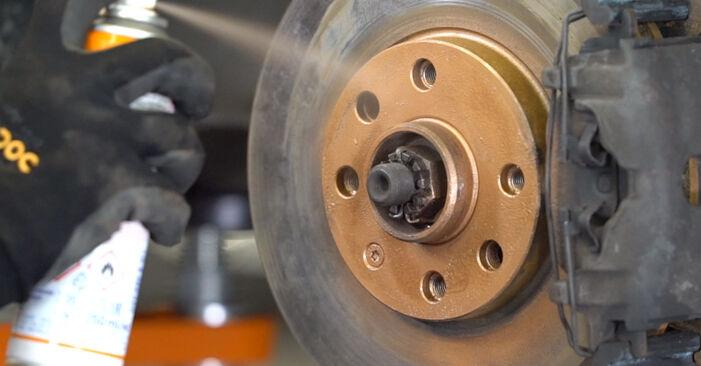 Steg-för-steg-rekommendationer för att byta Opel Astra g f48 1999 1.7 DTI 16V (F08, F48) Stabilisatorstag på egen hand