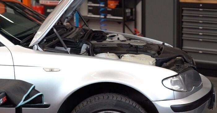 Kaip pakeisti Pasukimo trauklė la BMW 3 Touring (E46) 1998 - nemokamos PDF ir vaizdo pamokos