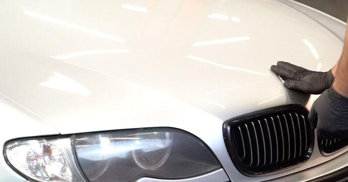 BMW 3 SERIES 2005 Pasukimo trauklė išsami keitimo instrukcija