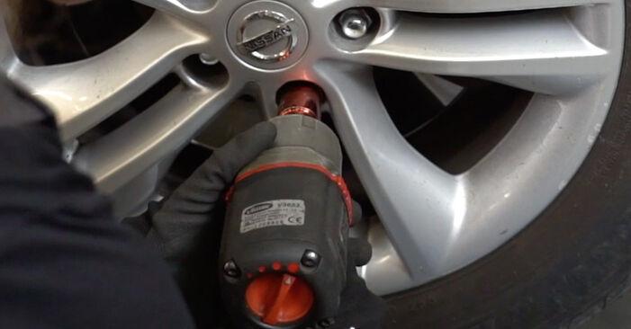 Koppelstange Nissan Qashqai j10 1.6 2008 wechseln: Kostenlose Reparaturhandbücher