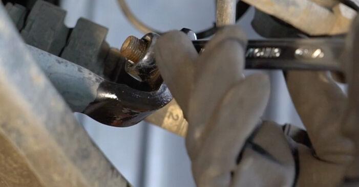 Wie schwer ist es, selbst zu reparieren: Koppelstange Nissan Qashqai j10 2.0 Allrad 2012 Tausch - Downloaden Sie sich illustrierte Anleitungen