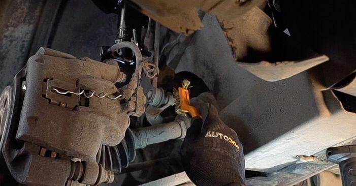 Wie schwer ist es, selbst zu reparieren: Koppelstange Mercedes W638 Bus 113 2.0 (638.114, 638.194) 2002 Tausch - Downloaden Sie sich illustrierte Anleitungen