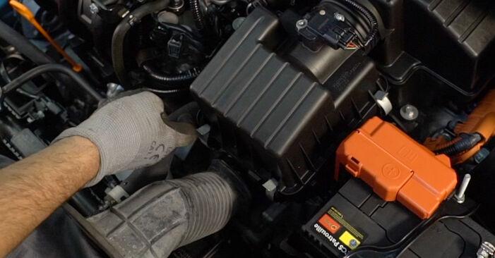 Austauschen Anleitung Luftfilter am Honda Insight ZE2/ZE3 2019 1.3 Hybrid (ZE28, ZE2) selbst