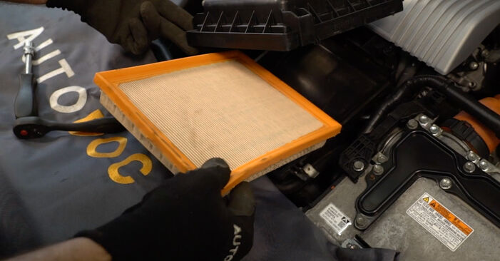 How to replace Air Filter on TOYOTA AURIS (NRE15_, ZZE15_, ADE15_, ZRE15_, NDE15_) 2011: download PDF manuals and video instructions