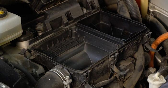 Luftfilter Ihres Toyota Prius 2 1.5 (NHW2_) 2004 selbst Wechsel - Gratis Tutorial