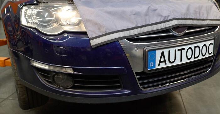 Wie VW PASSAT 2.0 TDI 4motion 2009 Ölfilter ausbauen - Einfach zu verstehende Anleitungen online