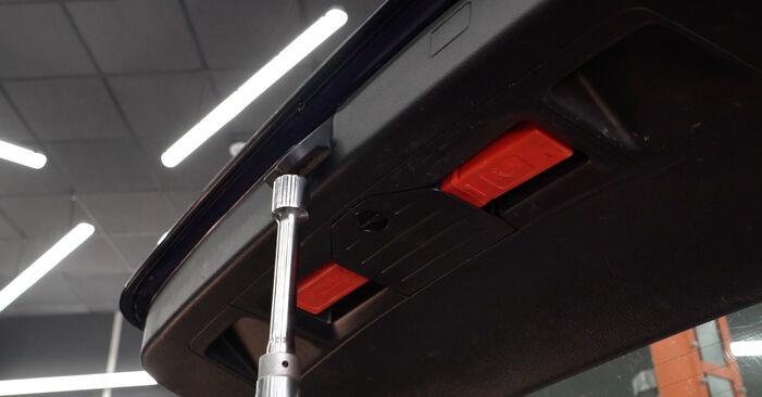 Wie Heckklappendämpfer VW Passat Variant (3C5) 2.0 TDI 16V 2006 austauschen - Schrittweise Handbücher und Videoanleitungen
