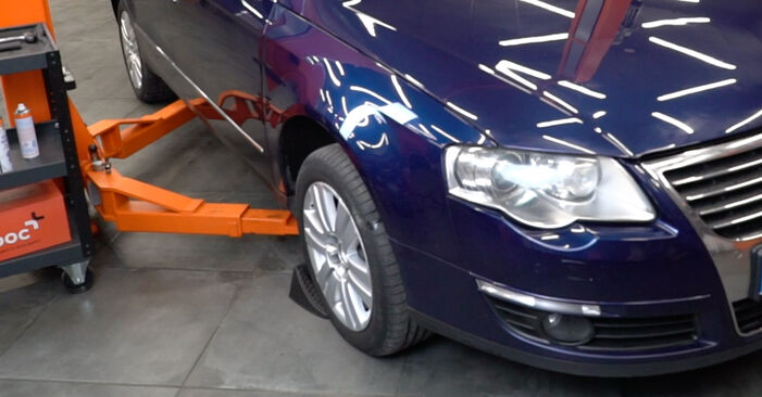 How to change Anti Roll Bar Links on Passat 3C 2005 - free PDF and video manuals