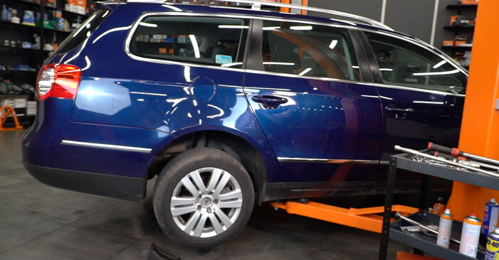 Changing Brake Pads on VW Passat Variant (3C5) 2.0 FSI 2008 by yourself