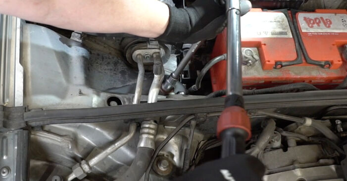 How to change Shock Absorber on AUDI A4 Saloon (8EC, B7) 2006 - tips and tricks