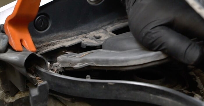 À quel point est-il difficile de le faire soi-même : télécharger le guide illustré pour le changement de Amortisseurs sur Renault Clio 3 1.2 16V 2011