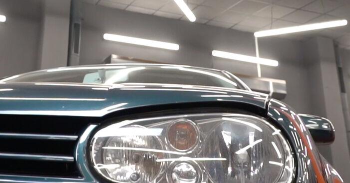 Kuinka vaihtaa Raitisilmasuodatin VW Golf IV Hatchback (1J1) 2000 -autoon - vinkkejä