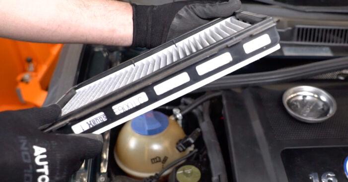 Не е трудно да го направим сами: смяна на Филтър купе на Golf 4 1.4 16V 2003 - свали илюстрирано ръководство