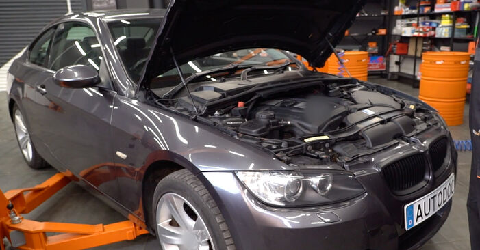 How to change Pollen Filter on BMW E92 2004 - free PDF and video manuals