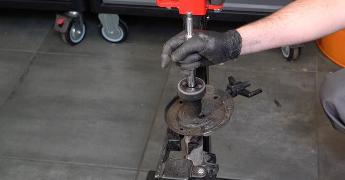 Come sostituire Ammortizzatori su OPEL Corsa D Hatchback (S07) 2011: scarica manuali PDF e istruzioni video