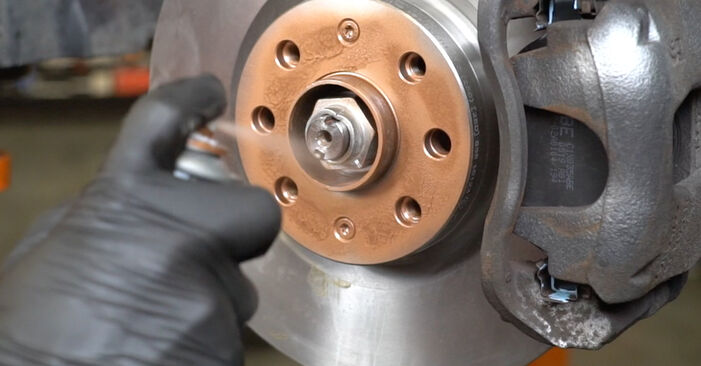Sostituire Ammortizzatori su OPEL Corsa D Hatchback (S07) 1.4 (L08, L68) 2011 non è più un problema con il nostro tutorial passo-passo