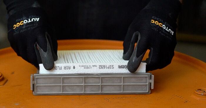 À quel point est-il difficile de le faire soi-même : télécharger le guide illustré pour le changement de Filtre d'Habitacle sur Toyota Prado J120 3.0 D 2001