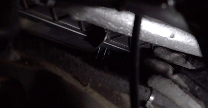 Innenraumfilter Ihres Mercedes W638 Bus 108 CDI 2.2 (638.194) 1996 selbst Wechsel - Gratis Tutorial