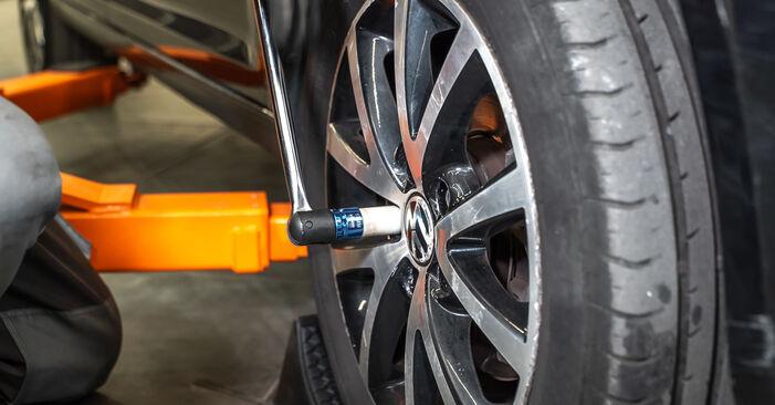 VW TOURAN 1.4 TSI EcoFuel Tlumic perovani výměna: online návody a video tutoriály