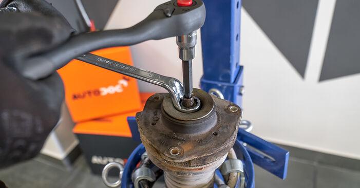Touran 1t3 2.0 TDI 2012 Ammortizzatori sostituzione: manuali dell'autofficina