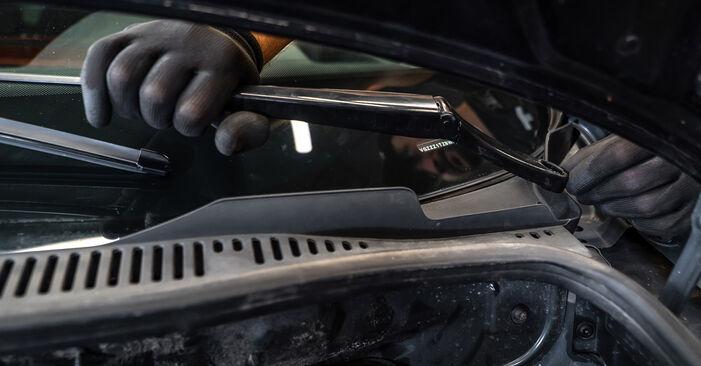 Come rimuovere VW TOURAN 1.2 TSI 2014 Ammortizzatori - istruzioni online facili da seguire