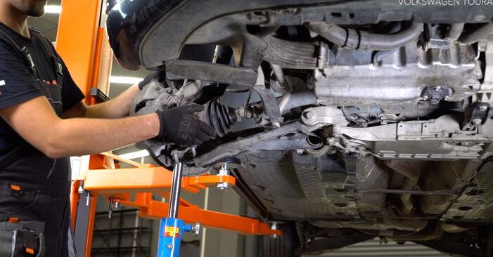 Modifica Ammortizzatori su VW TOURAN (1T3) 1.4 TSI EcoFuel 2013 da solo
