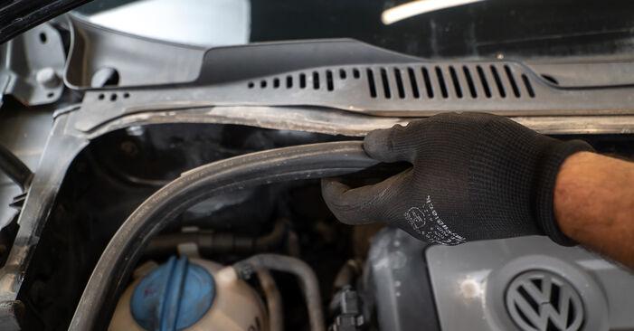 Jak vyměnit Tlumic perovani na VW TOURAN (1T3) 2015: stáhněte si PDF návody a video instrukce.