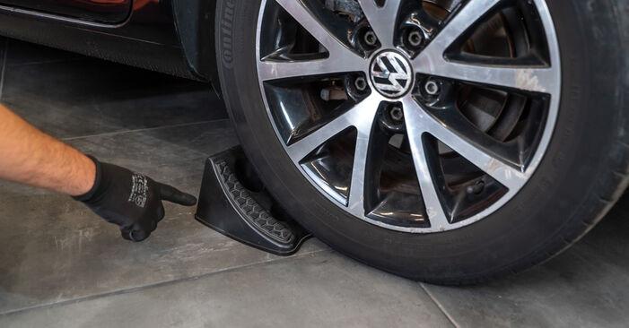 VW TOURAN 2011 Tlumic perovani návod na výměnu, krok po kroku