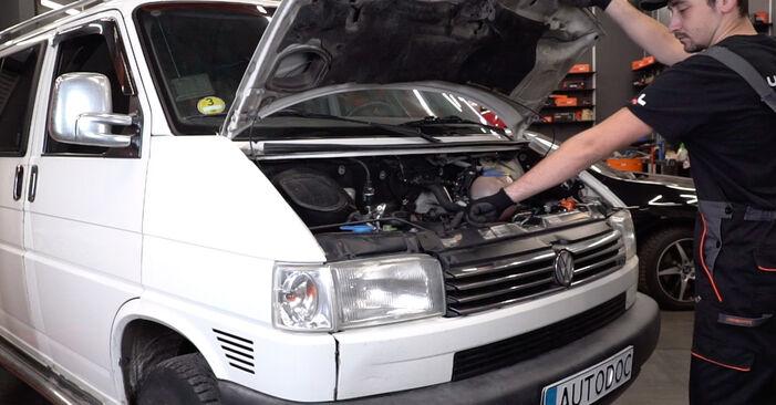 Wie Innenraumfilter VW T4 Transporter 2.5 TDI 1990 tauschen - Kostenlose PDF- und Videoanleitungen