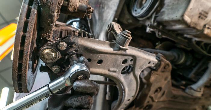 Schrittweise Anleitung zum eigenhändigen Ersatz von Audi A3 8l1 2001 1.8 Stoßdämpfer